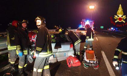 Grave incidente sulla A4, finisce contro il guard-rail per evitare un carrello