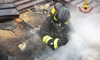 Incendio di un tetto a Roana