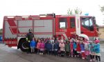 I bimbi della scuola d'infanzia in visita dai vigili del fuoco