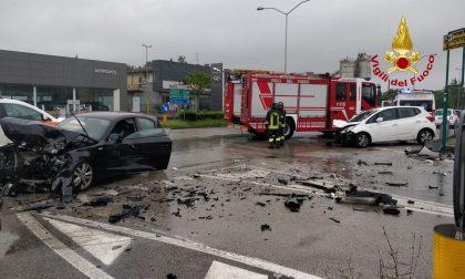 Scontro tra due auto a Vicenza, tre feriti
