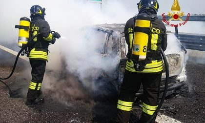 Auto in fiamme in A31: illesi i coducenti