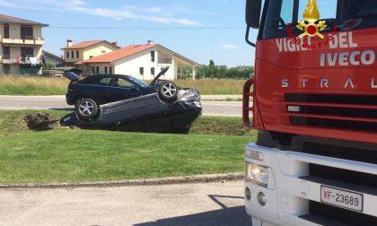 Incidente a Sandrigo: un'auto nel fossato
