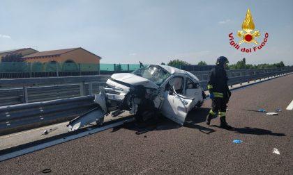 Incidente stradale sull'A31: tre feriti e traffico bloccato