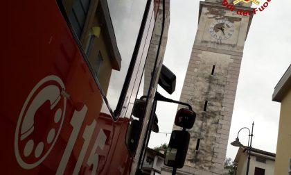 Saetta colpisce la statua di San Michele Arcangelo a Chiuppano