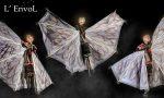 La parata delle creature volanti di ENVOL apre la 39^ edizione di Operaestate