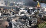 """La devastazione dopo l'incendio: lo scheletro della """"Isello Vernici"""""""