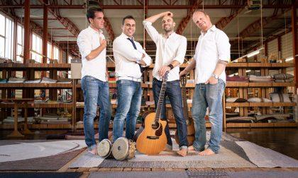 Omaggio a Fabrizio De Andrè sulla scalinata dei Carmini con il quartetto Specchi di un'avventura