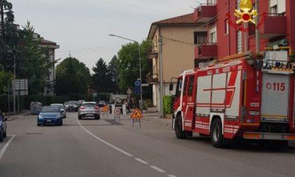 Fuga di gas in città: vigili del fuoco al lavoro