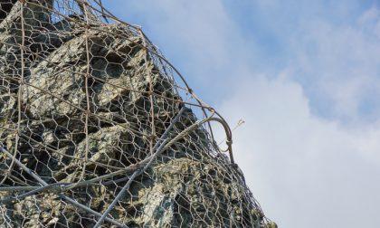 Una rete in A4 per evitare la caduta dei massi
