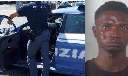 Spacciatore spacca la mano ad un poliziotto durante una colluttazione