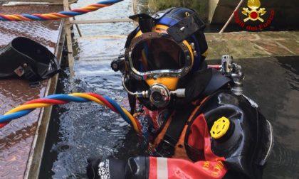 Centrale idroelettrica bloccata da un tronco: i vigili del fuoco la ripristinano
