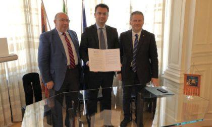 Il sindaco Rucco firma la Carta di Venezia