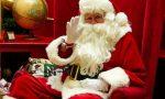 Babbo Natale aspetta i bambini nella piazza di Asiago