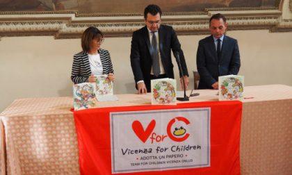 """Vicenza for Children dona al sindaco Rucco il nuovo libro """"Non sarai mai solo"""""""