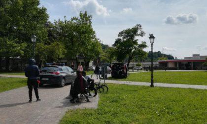 Blitz della polizia locale nei parchi: Identificati 28 soggetti