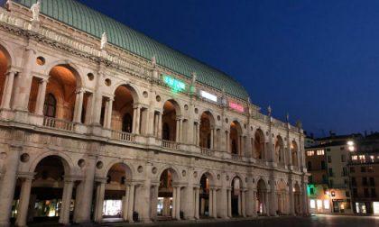 Il tricolore sulla Basilica palladiana