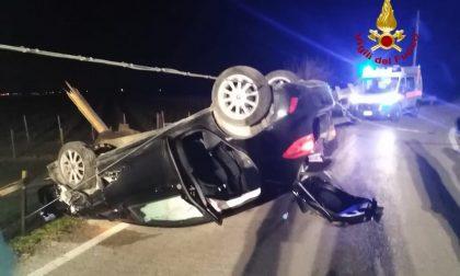 Incidente Asigliano Veneto, consegnava le pizze ma l'auto si è rovesciata: 23enne ferita