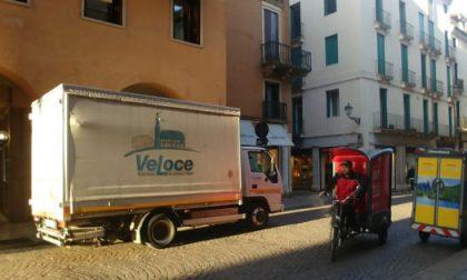 VeLoCe consegna gratuitamente beni di prima necessità a persone in difficoltà
