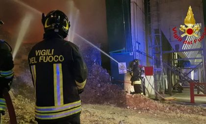 """Incendio nell'impianto rifiuti Montebello, Arpav: """"Analisi ok"""" – AGGIORNAMENTO"""