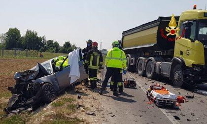 Incidente Marostica, terribile scontro tra auto e camion: un ferito – FOTO