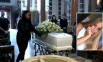 Straziante addio a Martina: quasi 2mila persone in streaming per l'ultimo saluto