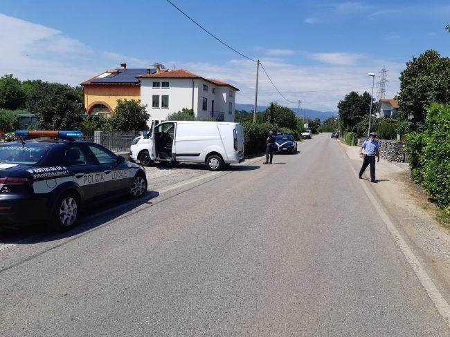 Montecchio Precalcino, scontro tra furgone e moto: centauro 32enne gravissimo