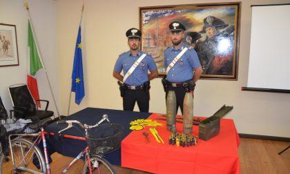 """Nel cestino della bici e a casa una """"santabarbara"""" con ordigni esplosivi da guerra: arrestato 68enne di Zanè"""