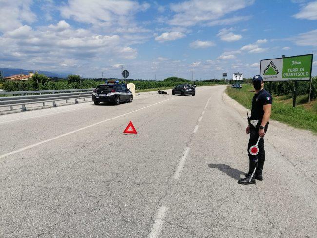 Incidente Thiene, scontro tra auto e moto: centauro ferito