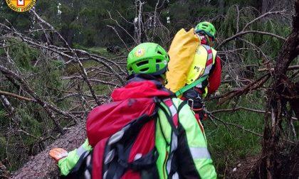Bloccati sul bordo del dirupo, tre ragazzi salvati dal Soccorso alpino di Asiago – FOTO
