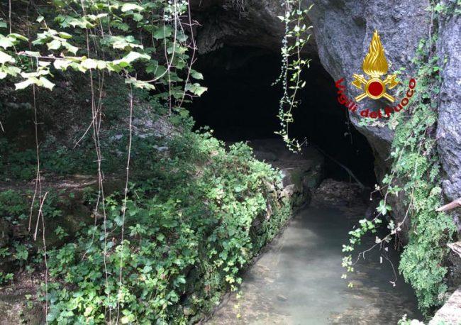 Grotta della Poscola, speleologo ucciso da un masso che l'ha centrato in pieno