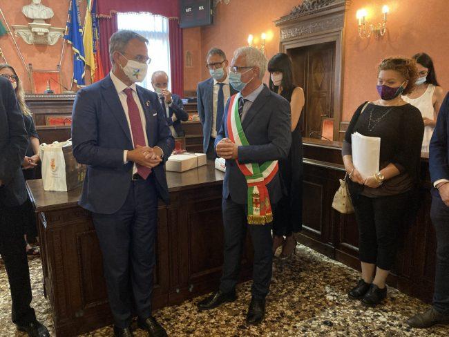 """Il ministro Costa incontra la Giunta di Schio: """"Collaborazione per le necessità del territorio scledense"""""""