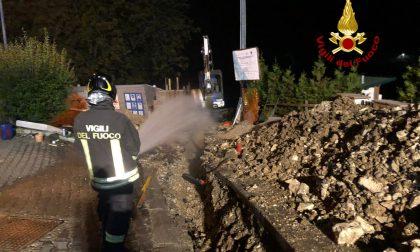 Si rompe il tubo del gas durante gli scavi a Foza: intervengono i Vigili del fuoco – FOTO