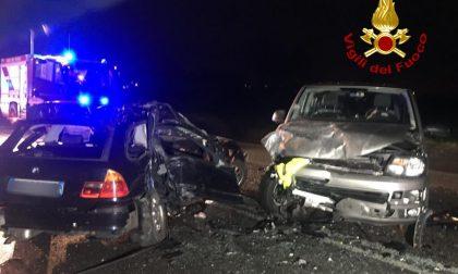 Incidente tra tre auto, un conducente resta incastrato tra le lamiere FOTO