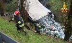 Spaventoso incidente sulla A4, Tir finisce in un fossato