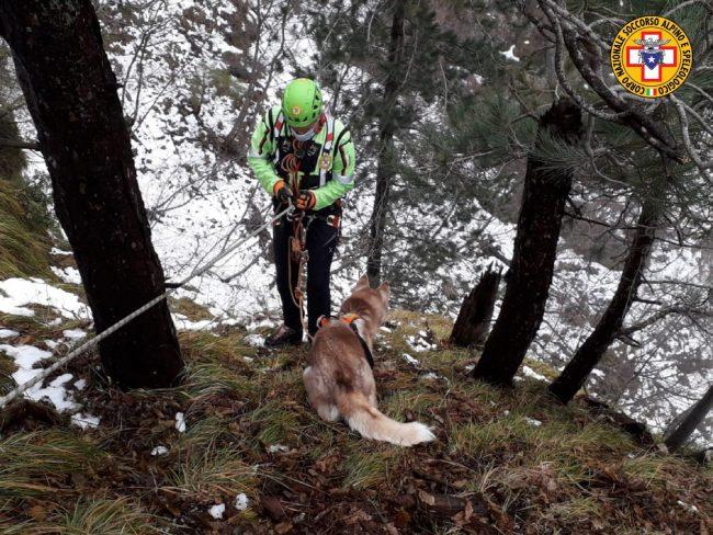 Monte Grappa, scappa durante una passeggiata: Maya recuperata dal Soccorso Alpino