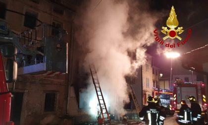 Incendio Lusiana, in fiamme abitazione su tre piani: non ci sono feriti – FOTO