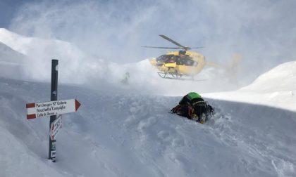 Bloccato in mezzo alla neve dopo un'escursione a Cima Larici: soccorso 70enne di Creazzo