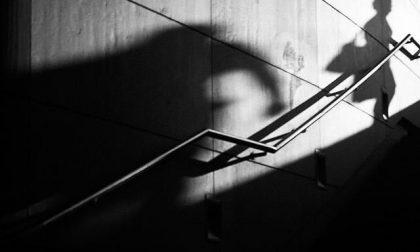 Le strappa la mascherina e tenta di baciarla: 40enne di Malo denunciato per tentata violenza sessuale