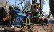 Le foto del trattore ribaltato a San Zeno di Montagna: 20enne di una ditta di Vicenza all'ospedale