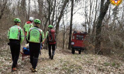 Rovinosa caduta dalla mountain bike lungo il sentiero: soccorso ciclista 42enne di Thiene