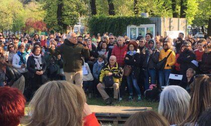 """Negazionisti e """"no vax"""" in piazza a Vicenza e Conegliano, il PD: """"Inaccettabile, caso in Parlamento"""""""