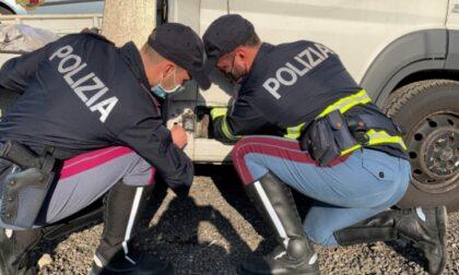"""Fermati """"i signori della droga"""", nel camion trasportavano 10kg di coca: avrebbero fruttato 4 milioni di euro"""