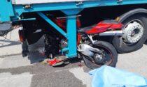 Con la moto sotto il camion muore 62enne a Sandrigo