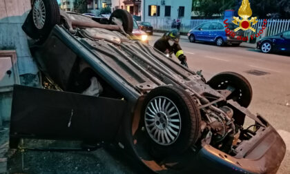 Le immagini dell'incidente tra due auto in viale Crispi a Vicenza