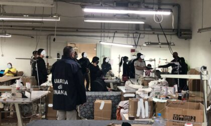 Impiegati clandestini cinesi lavoravano (e vivevano) in un laboratorio sudicio a Rossano Veneto