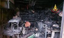 Le foto del garage laboratorio bruciato ad Asiago