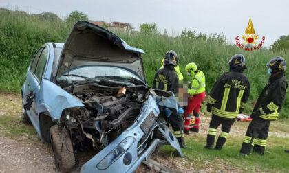 Incidente a Grisignano del Zocco: auto finisce contro un platano, ferito un 34enne