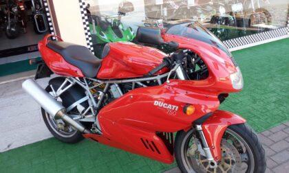 Muore in sella alla moto appena messa in vendita: addio Vincenzo