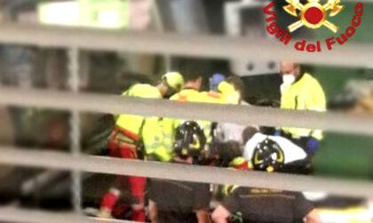 Operaio incastrato nel tornio a Cassola: il 28enne Enrico Dorigo trasportato in elicottero in gravi condizioni