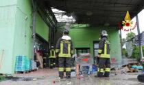 Grande magazzino in fiamme, paura a Longare